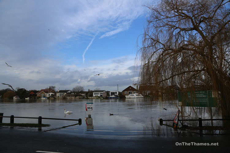 THAMES FLOODING