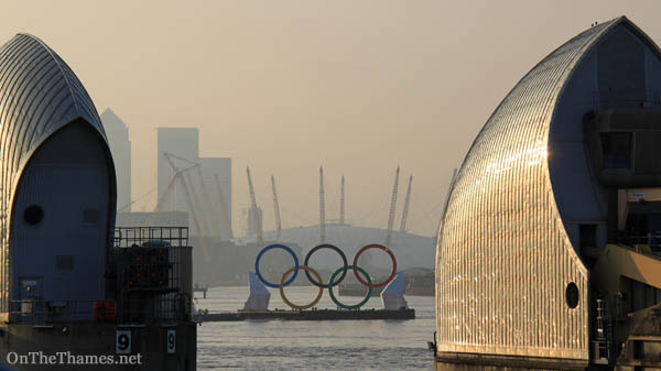onthethames_olympicrings1