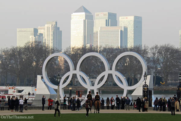 onthethames_olympicrings2