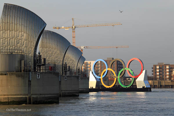 onthethames_olympicrings4