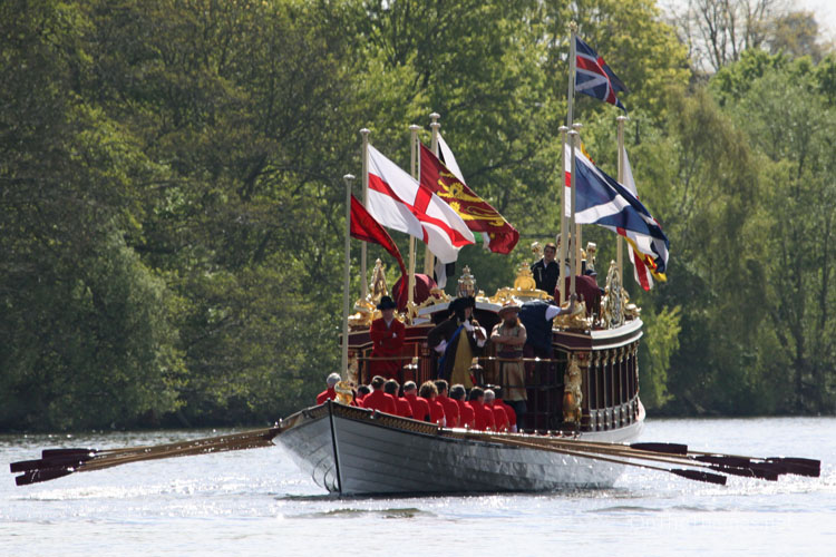GLORIANA AT HAMPTON COURT