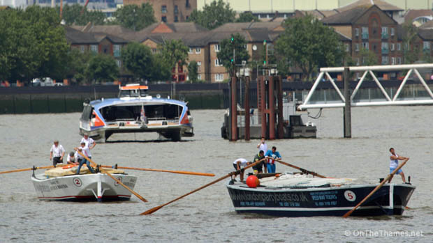 onthethames_bargerace4
