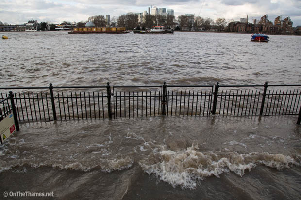 THAMES HIGH TIDE GREENWICH
