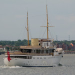 Classic superyacht Shemara visits the Thames