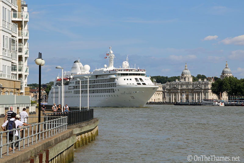 onthethames_silvercloud1