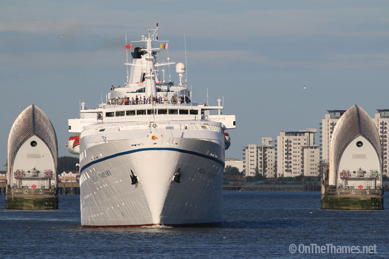 onthethames_oceanmajesty5
