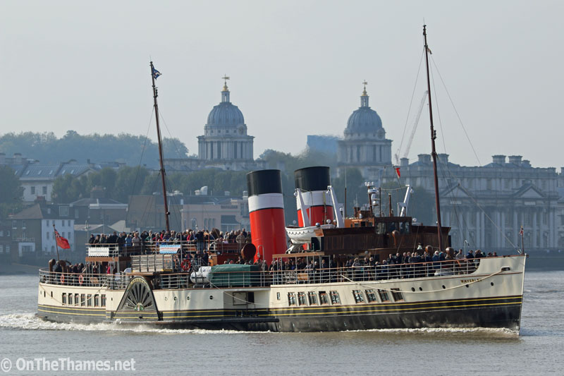 11/10/2015. Historic paddle steamer Waverley passes the Old Royal Naval in Greenwich, the maritime heart of London, as her 2015 Thames season draws to a close. Credit : Rob Powell