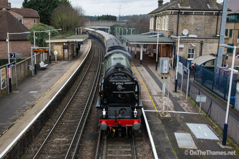 onthethames_steamtrain2