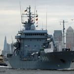 German navy vessels leave London after short visit