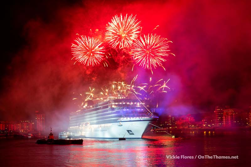 Viking_Sea_fireworks_03