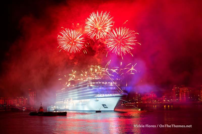 Viking_Sea_fireworks_03