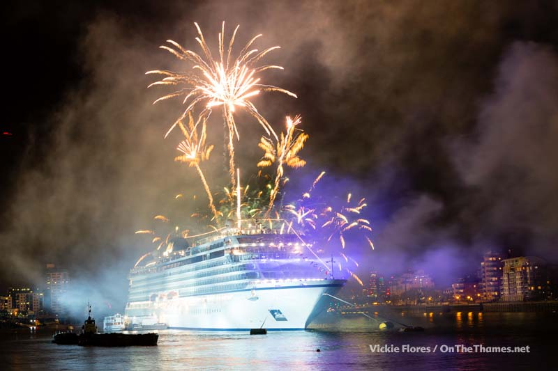 Viking_Sea_fireworks_09