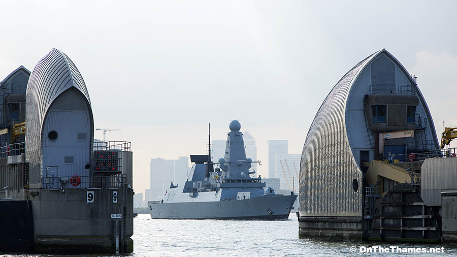 London, United Kingdom. 26th May, 2016. Type 45 destroyer HMS Duncan, seen at the Thames Barrier, leaves London after a week long visit to head towards Jutland 100 anniversary events. Rob Powell/Alamy Live News