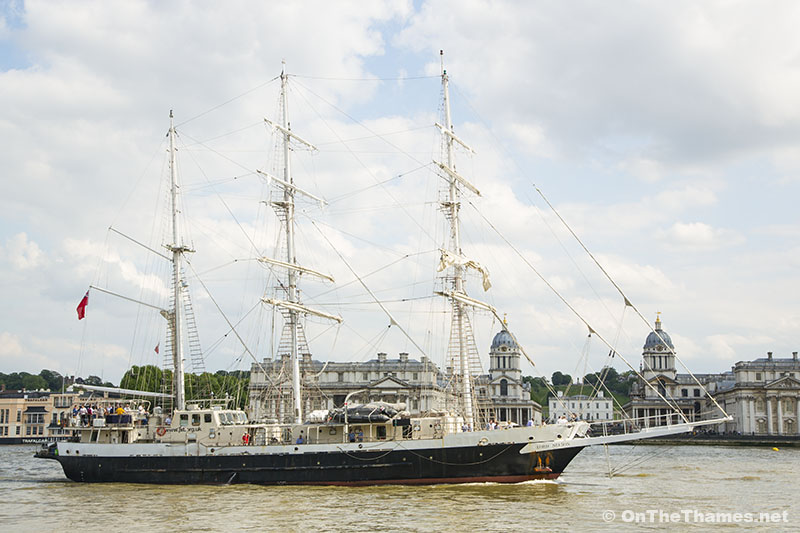 onthethames_lordnelson_3